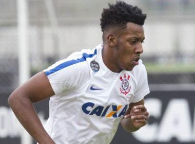 Corinthians renova com o lateral Moisés, ex-Bahia