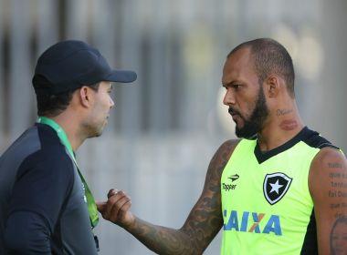 Bolada em árbitro pode render até seis jogos de suspensão à Bruno Silva; assista