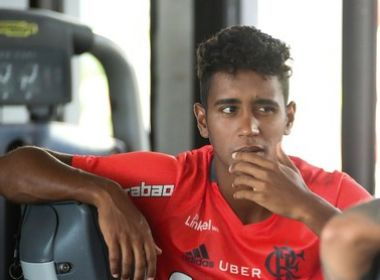 Com fratura na costela, Gabriel está fora de duelo do Flamengo na Copa do Brasil