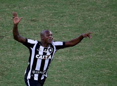 Botafogo repensa e aceita fazer exame médico em Marcos Vinícius para troca com Sassá