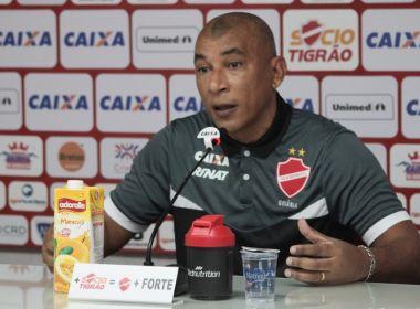Técnico do Vila Nova exalta comprometimento do grupo em triunfo sobre o América-MG