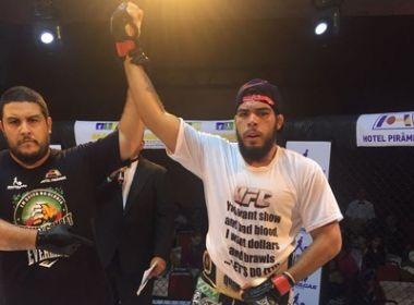 Baiano Carlos 'Boi' Felipe assina contrato com o UFC: 'Muito feliz'