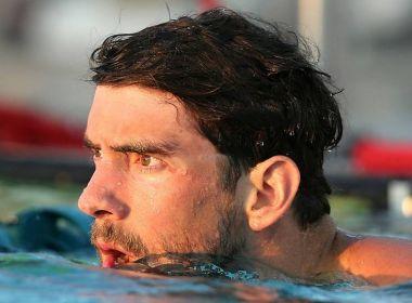 'É difícil nadar dentro de uma gaiola', diz Phelps sobre desafio contra simulador