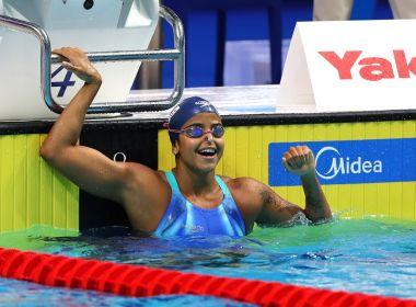 Etiene vence nos 50 m costas e se torna a 1ª brasileira campeã mundial de natação