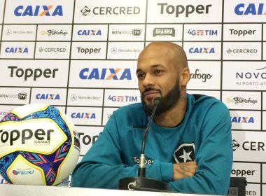 Volante do Botafogo não esconde torcida por venda de Luan: 'Tomara que ele vá'