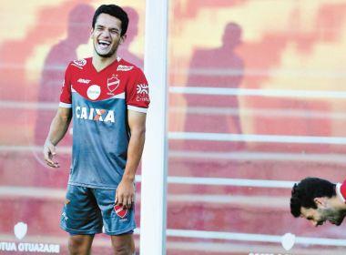 Ex-Vitória, Alípio volta a decidir para o Vila Nova na Série B