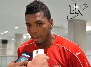 Botafogo negocia com o volante Marcelo, ex-Vitória