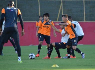 Com bola parada e rachão, Vitória fecha preparação para encarar o Bahia