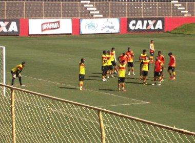 Fernando Miguel e Victor Ramos treinam entre os titulares; Mancini foca na bola parada