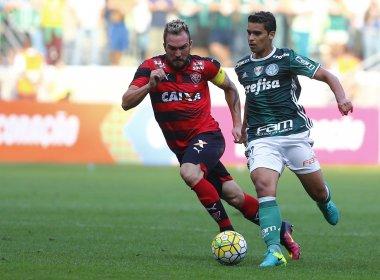 Vitória perde para o Palmeiras e segue próximo da degola no Brasileirão