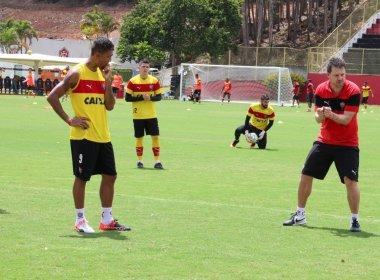 Tático e bola parada marcam último treino do Vitória antes de pegar o Atlético-PR