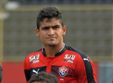 Zagueiro do Vitória prevê partida complicada contra o Palmeiras