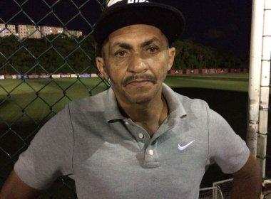 Pai de Marinho deixa escapar: 'Permanência dele no Vitória é difícil'