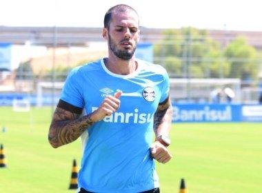 Fred viaja para Salvador e assinará com o Vitória nesta segunda-feira
