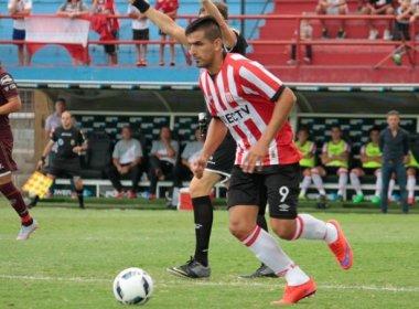 Sinval Vieira revela interesse em Lucas Viatri: 'É uma possibilidade para o meio do ano'