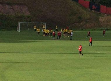 Sem esboçar time, Argel comanda treino na Toca do Leão