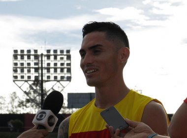 Pineda agradece confiança do técnico Argel Fucks: 'Estou muito feliz'