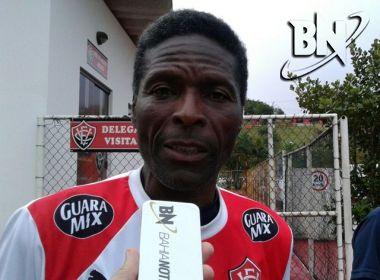 Futebol feminino: Vitória anuncia desligamento de Quinho do comando técnico da equipe