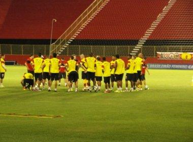 Com desfalques, Vitória relaciona 22 atletas contra o Paraná