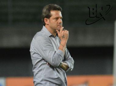 Vitória tenta reverter vantagem do Paraná em busca da classificação