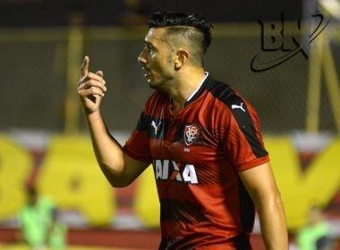 Vitória rescinde contrato com o meio-campista Dátolo