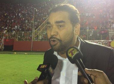 Presidente do Vitória comemora título e desconversa sobre o novo treinador