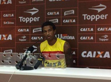 Versátil, Renê Santos revela preferência para atuar como volante