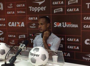Leandro Salino vê disputa sadia na lateral: 'Quem tem a ganhar é o Vitória'