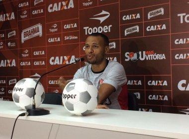 Lateral do Vitória pede foco para superar momento ruim do time