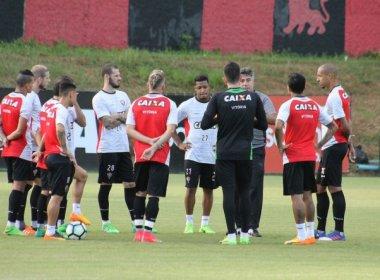 Gallo saca Cleiton Xavier e esboça novo time titular do Vitória; Yago participa de treino