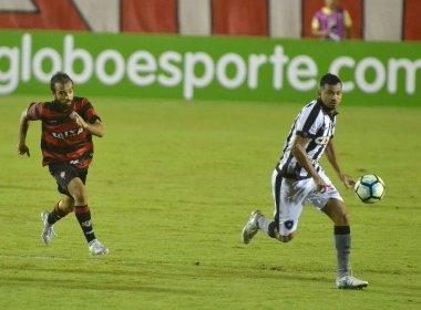 Expulso, Gabriel Xavier desfalca o Vitória contra o Sport