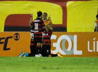 Para se afastar do Z-4, Vitória recebe o Santos no Barradão
