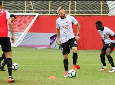 Com foco na bola parada, Gallo comanda treino no Barradão antes de embarcar para Goiânia