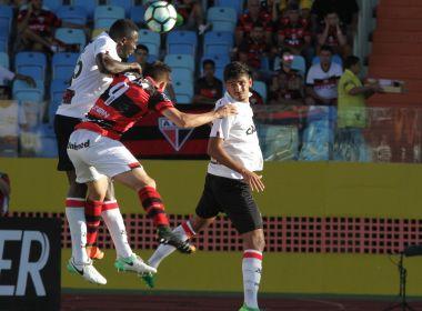 Vitória vence o Atlético-GO no fim do jogo e deixa momentaneamente o Z4