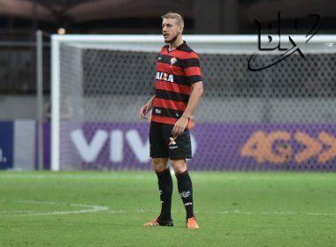 Herói do Vitória em triunfo, Uillian Correia comemora gol, mas desabafa com reserva