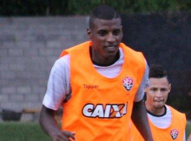 Recuperado de cirurgia, Bruno Ramires é relacionado no Vitória; confira a lista