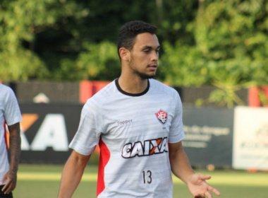 Zagueiro Vinícius rescinde contrato e deixa o Vitória
