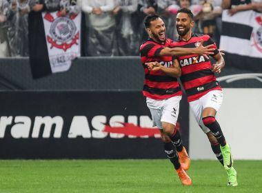 Vitória vence fora de casa e tira invencibilidade do Corinthians no Brasileirão
