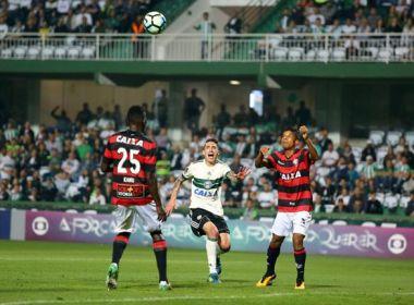 Após triunfo sobre o Coritiba, Vitória se torna o quarto melhor visitante do Brasileirão