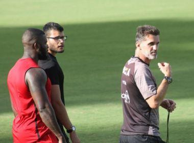 Vagner Mancini comanda treino fechado e faz mistério na escalação contra o Atlético-MG