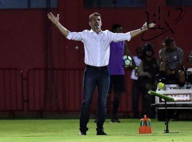 Mancini rechaça mudar mando de campo e diz que 'Vitória vai ganhar no Barradão na marra'
