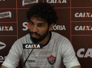 Mesmo com permanência na Série A, zagueiro do Vitória desabafa: 'Fizeram merda aqui'