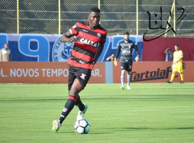 Kanu renova contrato com o Vitória até o fim do ano