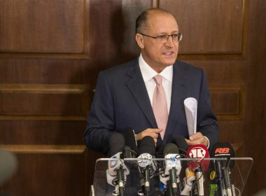 Alckmin diz que Lula está 'sitiado' e ironiza fim da fase 'Lulinha paz e amor'
