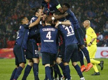 Maxwell faz golaço, Ibrahimovic marca 2 e campeão PSG goleia no Francês