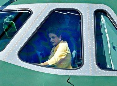 AGU prepara parecer que limitará viagens de Dilma com aviões da FAB