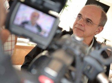 Presidente do Fla pede dispensa da seleção para cuidar de crise no clube