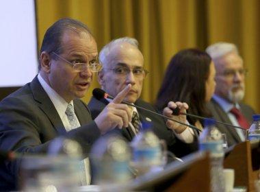 Ministro da Saúde quer cortar verba de cidades sem transparência nos dados