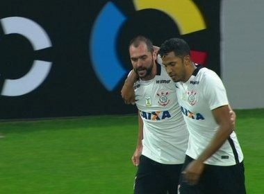 Danilo salva o Corinthians e garante empate com o Figueirense no Itaquerão