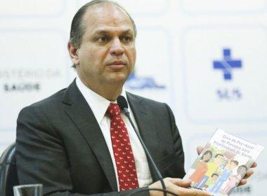 Filha do ministro da Saúde dá bronca no pai em rede social por comentário preconceituoso